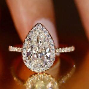 NEW! 925 silver pear cut white sapphire ring